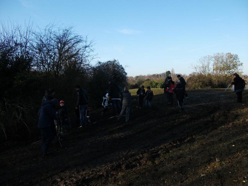 swanley-park-community-hedge-planting-002