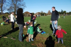 kennington-community-forum-hedge-planting-at-the-ridge-005