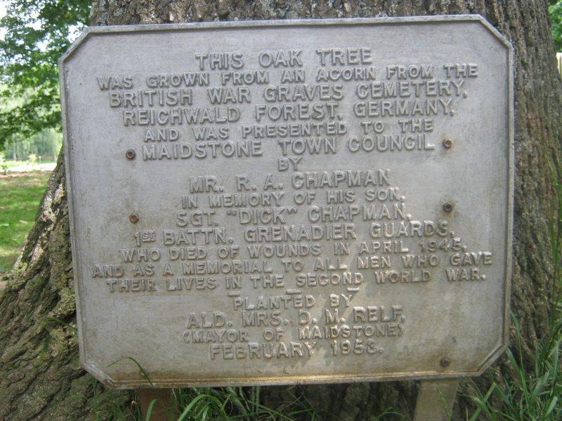 Reichwald-Forest-War-Graves-Oak-plaque