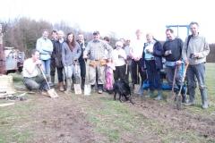 standen-community-orchard-apple-tree-planting-011